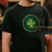 Wil Wheaton wearing WoW Heal Shirt